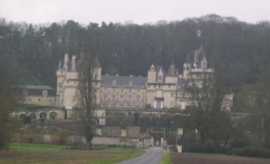 Pendant ce temps les accompagnateurs faisaient du tourisme mais ils trouvèrent certains châteaux fermés !!! (château d'Ussé)