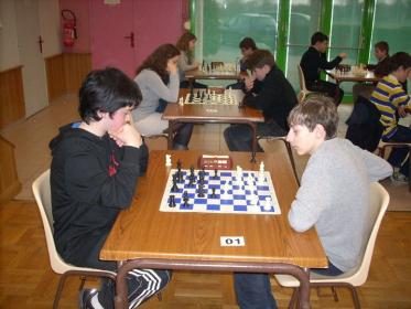 Guillaume table 01 contre Edouard